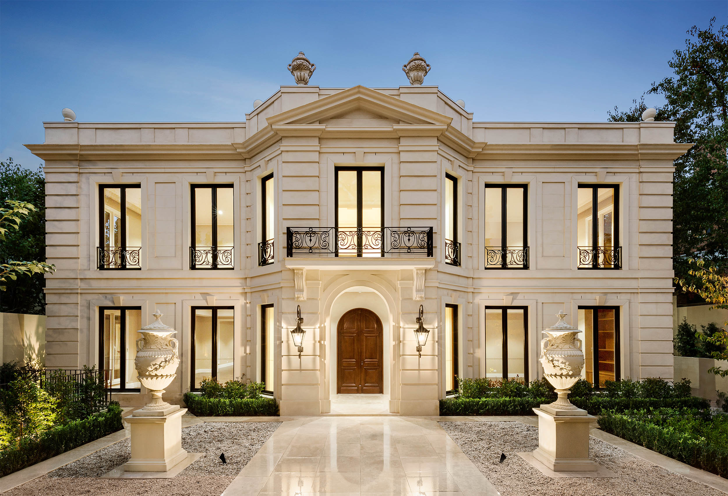 Royale construction for Top 10 luxury homes